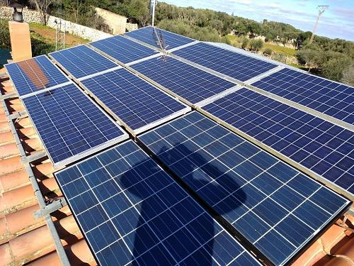 Dudas ampliación paneles solares en aislada-img_20190214_104616.jpg