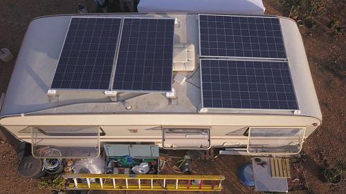 Poner paneles solares sin inclinación-techo02.jpg
