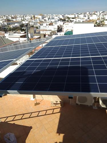 Fotografías instalaciones fotovoltaicas aisladas-53142834_2344014925609046_3849468600586862592_n.jpg