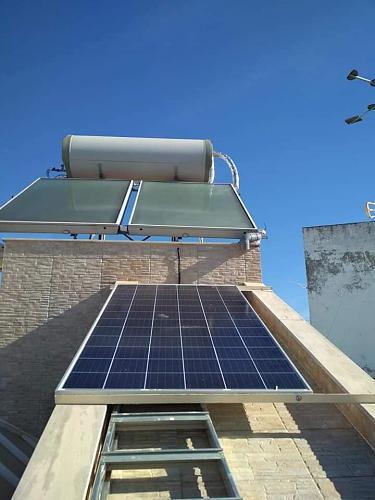 Fotografías instalaciones fotovoltaicas aisladas-55833026_2390159194327952_5148896709585141760_n.jpg