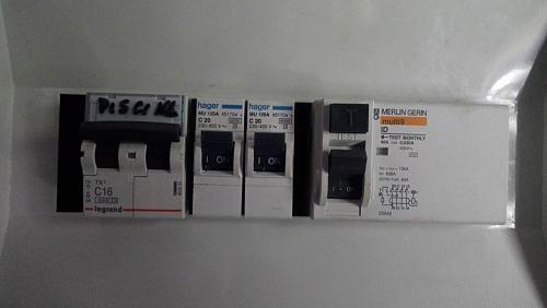 Instalación de auto-consumo sin baterías en trifásica. Alguien lo tiene así?-cuadrocasa.jpg