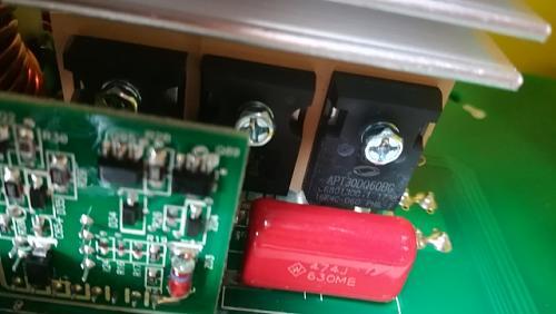 InfiniSolar V2 3kW 48V-puenteinversorigbts.jpg