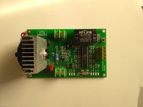 Derivador universal consistente en un meter y un triac controlados ambos por ESP32-img_20200301_114613.jpg