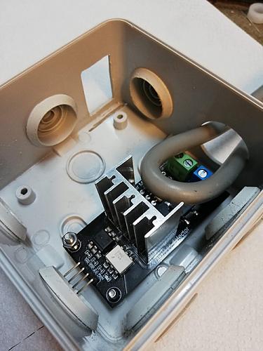 Derivador universal consistente en un meter y un triac controlados ambos por ESP32-img_20200307_172222.jpg