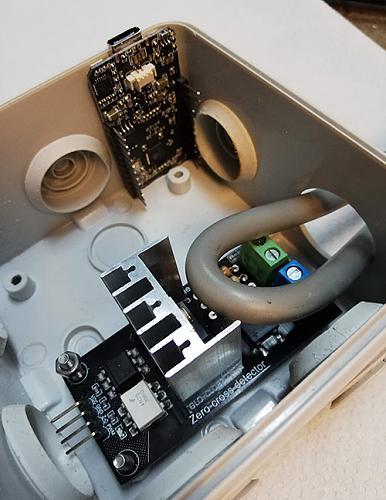 Derivador universal consistente en un meter y un triac controlados ambos por ESP32-img_20200307_172204.jpg