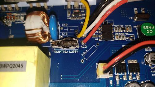 Compañía eléctrica quemó mi inversor on grid-fusible.jpg