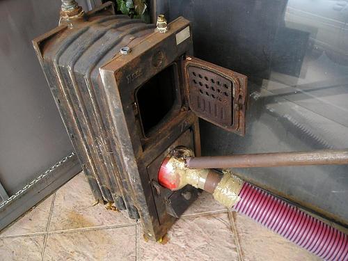 Quemador de biomasa casero-p1010176.jpg