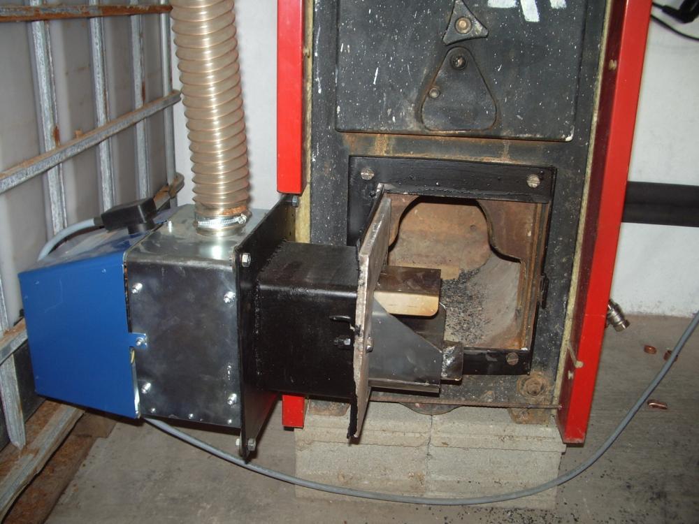 Sustituir quemador de gasoil por biomasa en una caldera roca for Calderas de gas roca