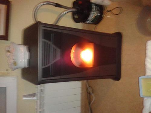 Estufas de pellet en bricodepot-2013-12-25-20.45.14.jpg
