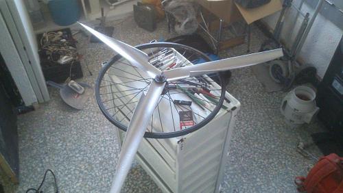 Ayuda eleccion de motor para aerogenerador-img-20150312-wa0002.jpg