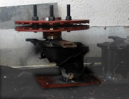 presentacion de un VAWT casero/ Savonius-rotor-rohbau.jpg