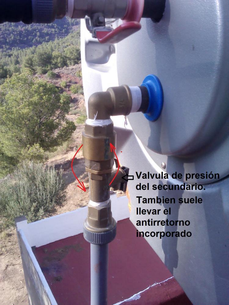 Brico equipo deposito bajo instalado como alto for Deposito agua leroy merlin