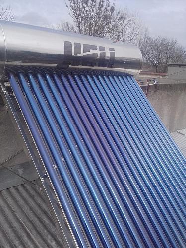 Fotografías instalaciones solares termicas-40684734_1989289464425496_1390746930551717888_o.jpg