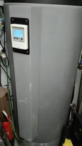 Instalar resistencia eléctrica en equipo Drain Back de Termicol-photo_2019-01-20_15-52-24.jpg