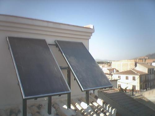Fotografías instalaciones solares termicas-29-04-2008.-fuente-vaqueros-32-.jpg